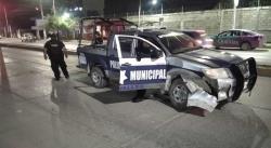 En Valles, choca patrulla de la Policía Municipal contra un vehículo particular